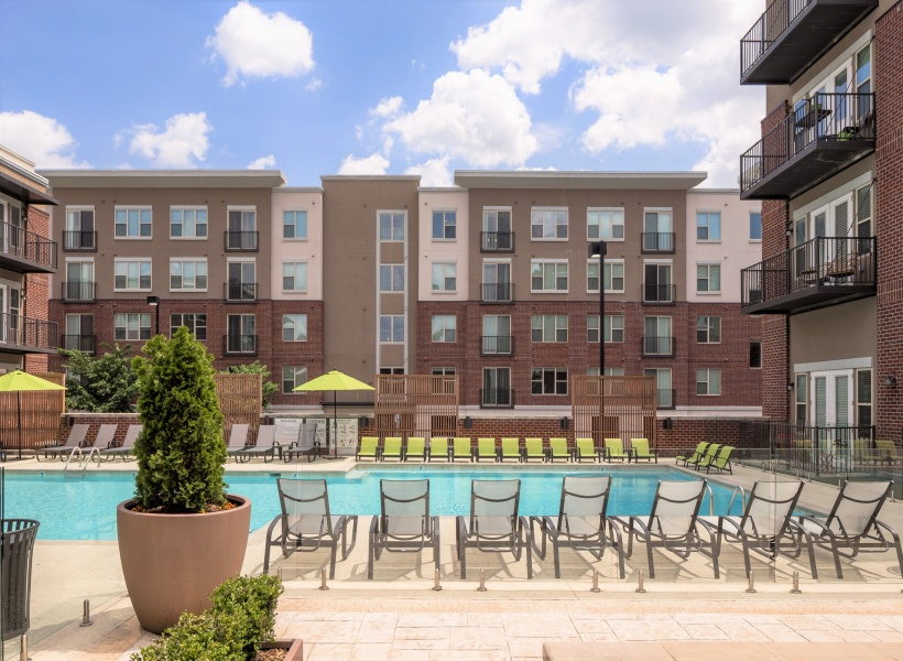 Melrose Apartments Pool with Sundeck